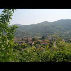 Uno scorcio del paese visto dal Santuario dell'Avello - Cerezzata